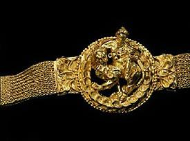 طلاي باختري با ارزش تر از کتیبه کوروش ,به بهانه نمایش گذاشتن ۵۰۰سال تمدن افغانستان در موزه لندن TTphoto7b